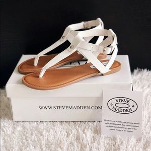 ✨New STEVE MADDEN Hidden Thong Leather Sandals